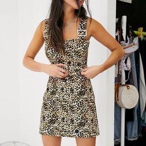 NWOT🎀 leopard velvet dress